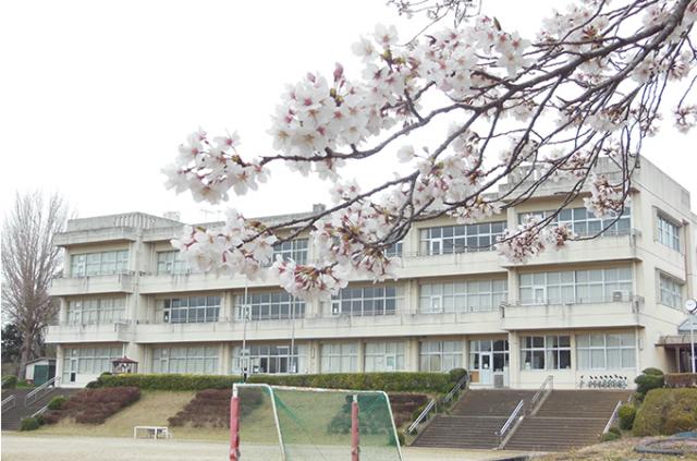 学校外観(関川小)