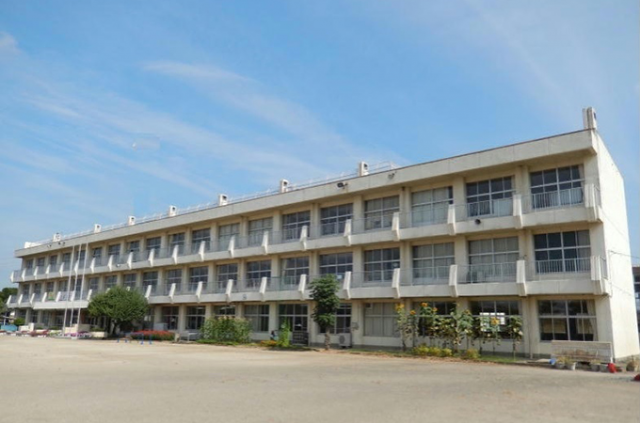 学校外観(高浜小)