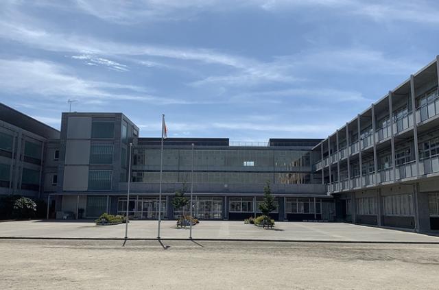 学校外観(東小)