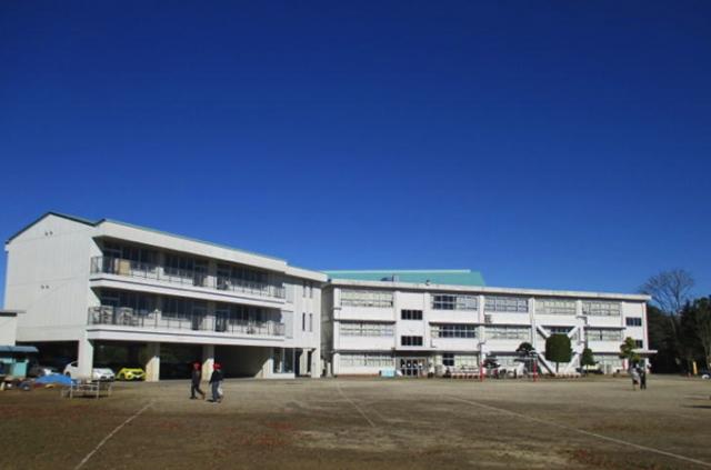 学校外観(三村小)