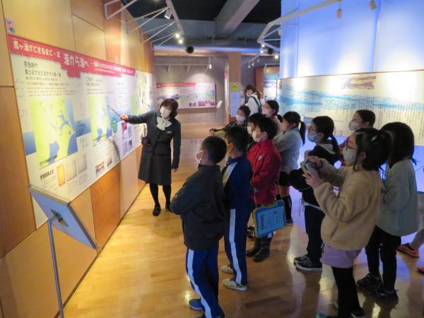 霞ヶ浦環境科学センターにて